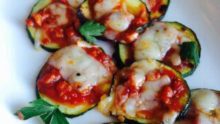Mini Zucchini Pizzas {21 Day Fix}