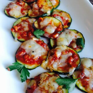 Mini Zucchini Pizzas {21 Day Fix}