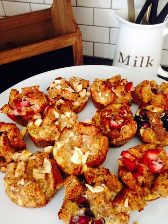 Mini French Toast Casserole Cups - 21 Day Fix approved breakfast recipe!