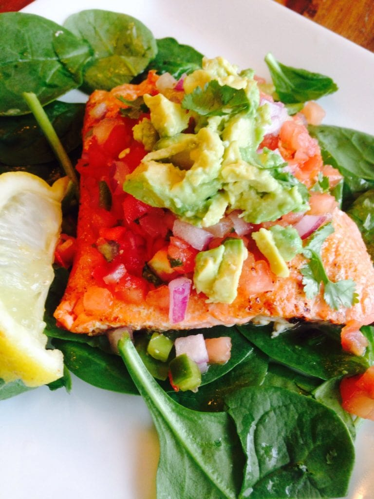 Southwest Salmon Salad {21 Day Fix}   Recipe from ConfessionsOfAFitFoodie.com
