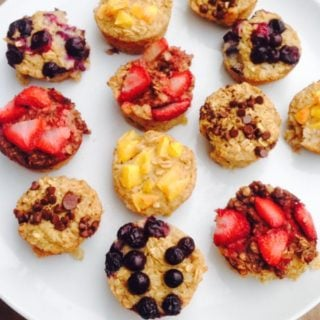 Customizable Baked Oatmeal Cups - A 21 Day Fix, easy breakfast recipe on ConfessionsOfAFitFoodie.com