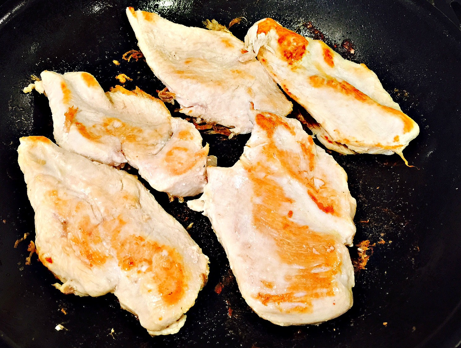 boneless, skinless chicken breasts, cooked.
