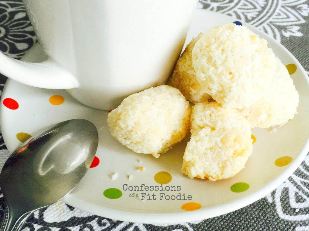 Coconut macaroons - A healthier version of the holiday cookie recipe. It's 21 day fix approved!