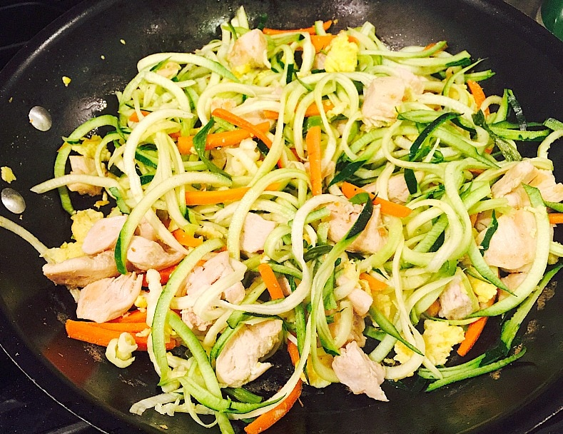 Chicken Pad Thai Zoodles {21 Day Fix} - Recipe on Confessions of a Fit Foodie