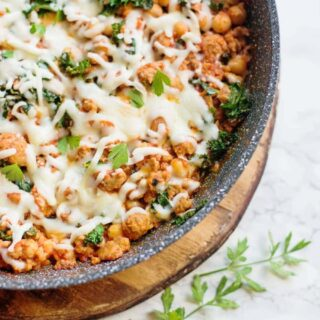 Healthy Sausage, Bean, and Kale Skillet [Gluten-free | 21 Day Fix | Weight Watchers] | 21 Day Fix Sausage, Bean, and Kale Skillet