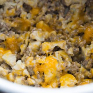 "Instant Pot Cauliflower Cheeseburger ""Mac"" 