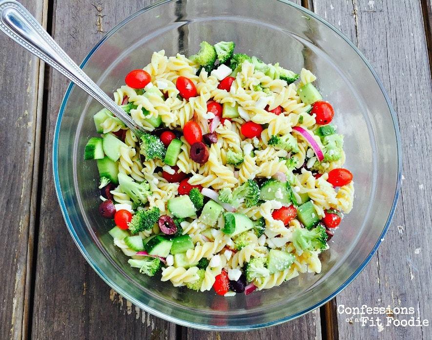 Skinny Greek Pasta Salad