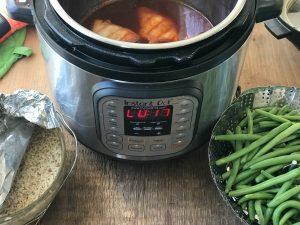 Instant-Pot-with-Asian-Flavored-Chicken-Rice-and-Green-Beans