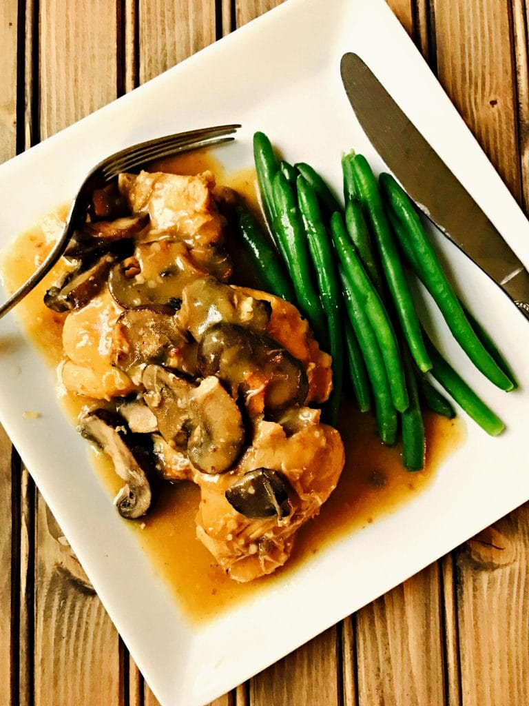 Delicious and easy 21 Day Fix Chicken Marsala for the Instant Pot. Gluten free/dairy free and 21 Day Fix approved.