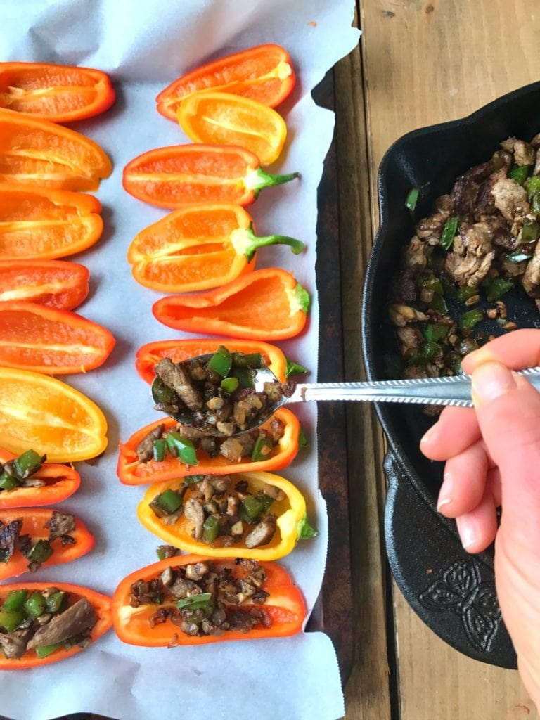 21 Day Fix Mini Philly Cheesesteak Stuffed Pepper Nachos |Confessions of a Fit Foodie