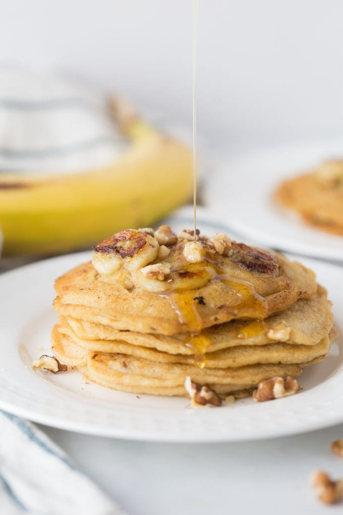 21 Day Fix Pancakes with Caramelized Bananas and Walnuts (Gluten free/Dairy free Option)| Confessions of a Fit Foodie